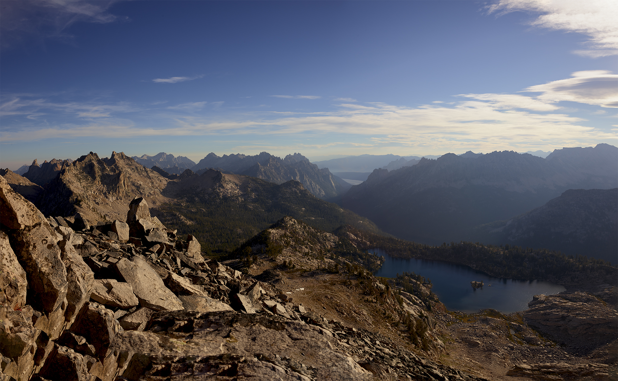lake-kathryn-and-redfish-lake-from-reward-peak-summit